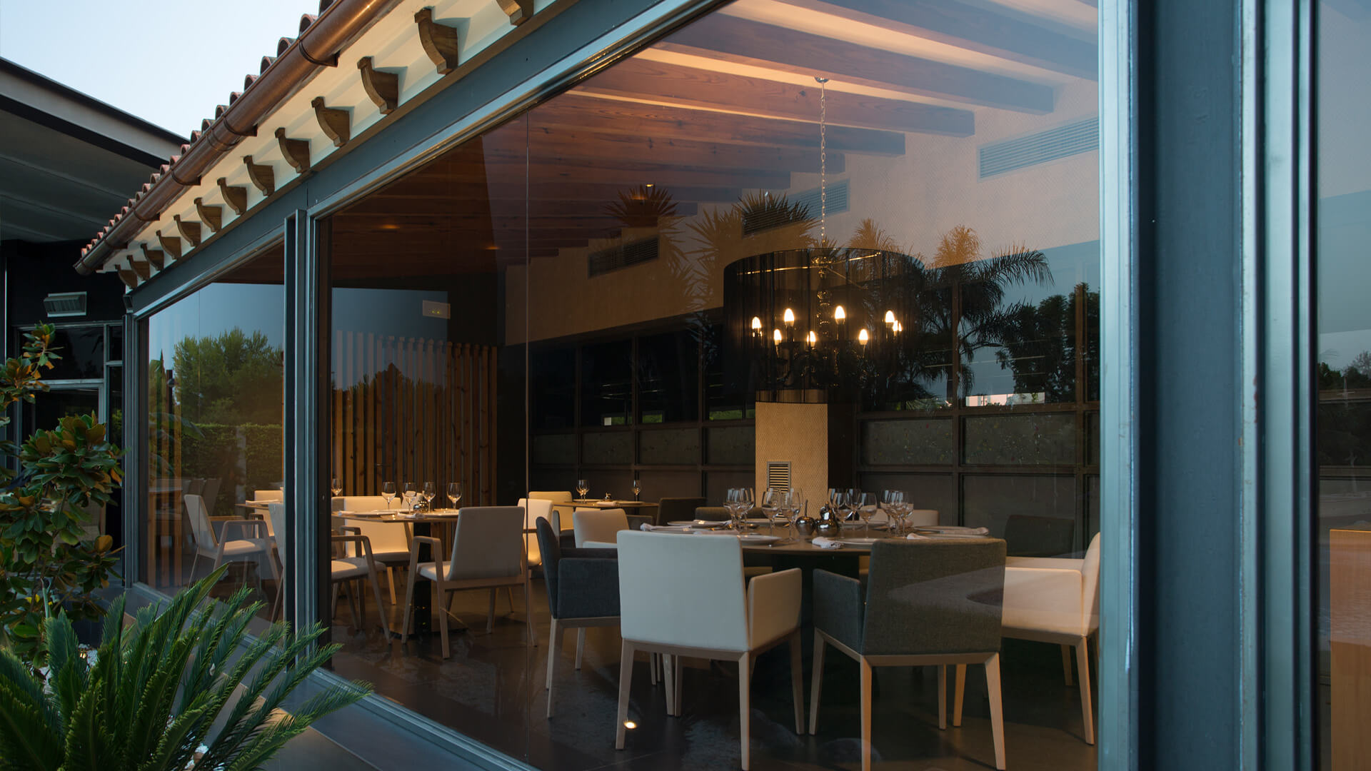 Exterior restaurante gastronómico Vidó en Gasma