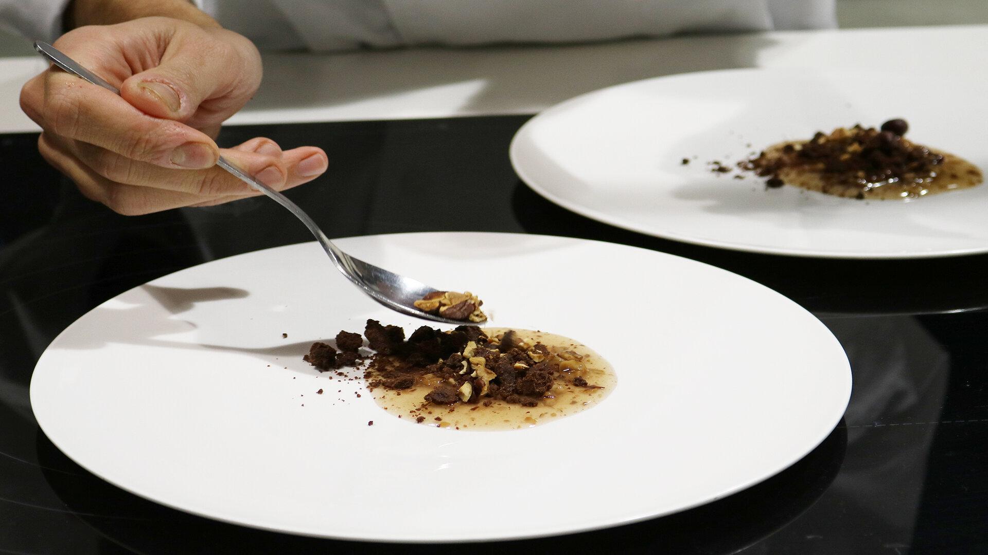 detalle elaboración chef especializado en alta cocina gasma culinary institute